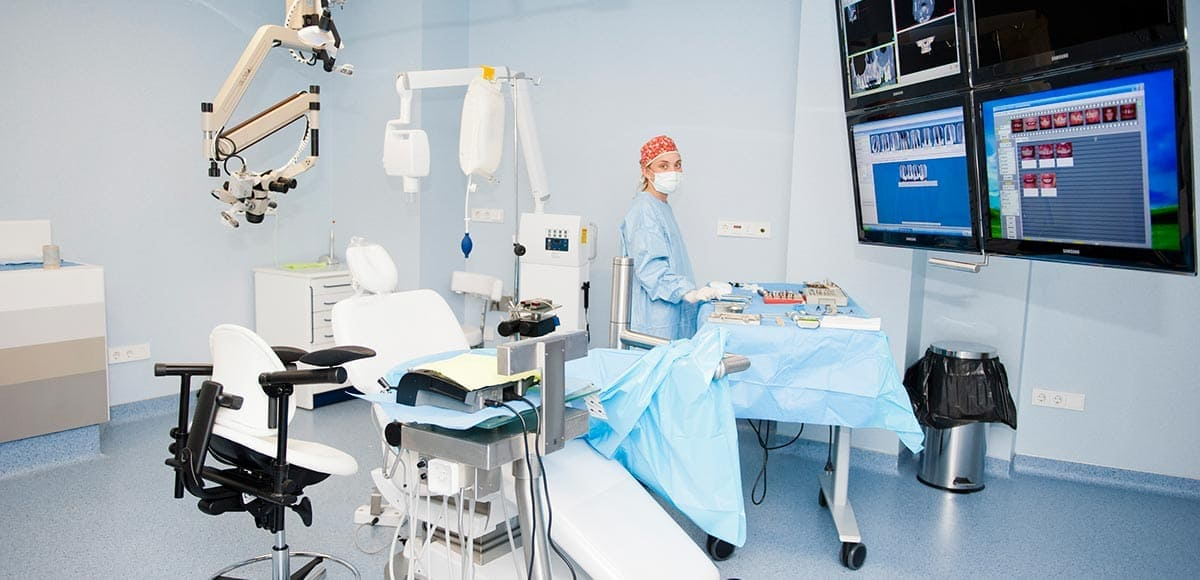 cirugia implantes oviedo