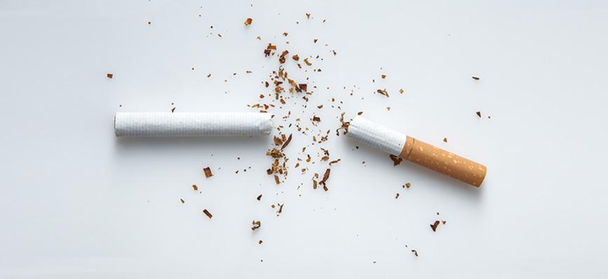 ¿Se puede fumar con implantes dentales?